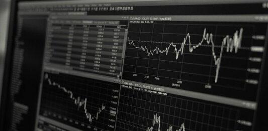 Dwie największe pułapki mentalne czyhające na inwestorów